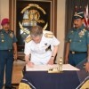 AAL Terima Kunjungan Kehormatan Assistant Chief of Defence Staff United Kingdom Rear Admiral Simon Ancona